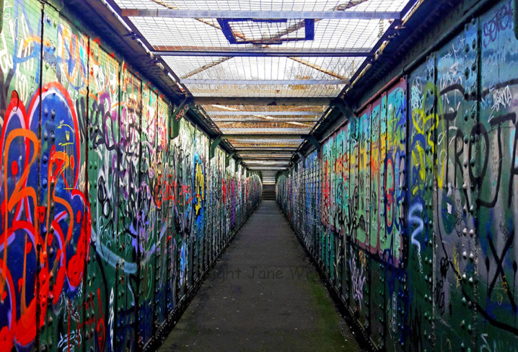 Grafitti Bridge