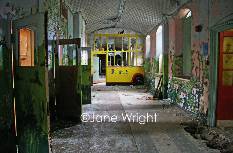 Yellow Bus, St Johns