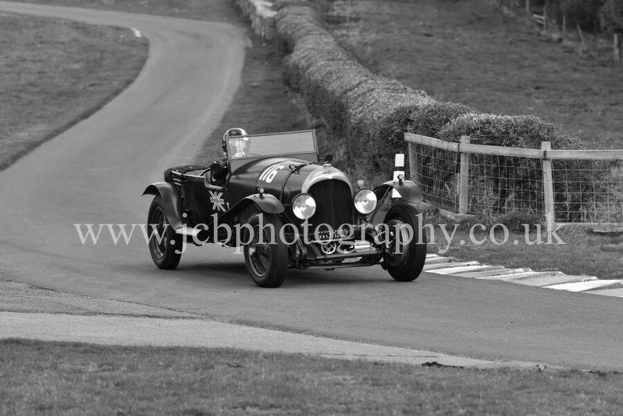 Bentley Lightweight 1923 driven by Jolyon Harrison