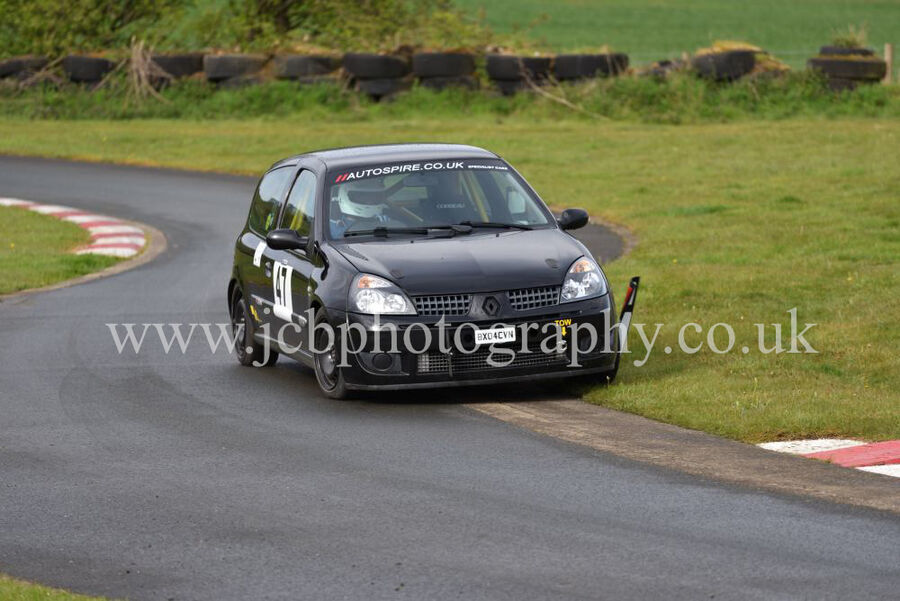Renault Clio 182 driven by Tony Pickering