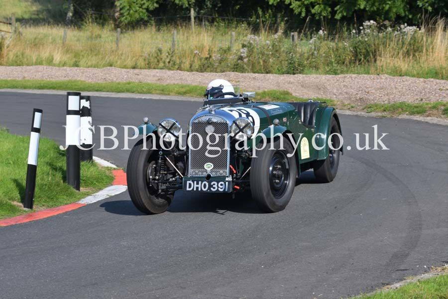 Morgan 4/4 driven by George Proudfoot
