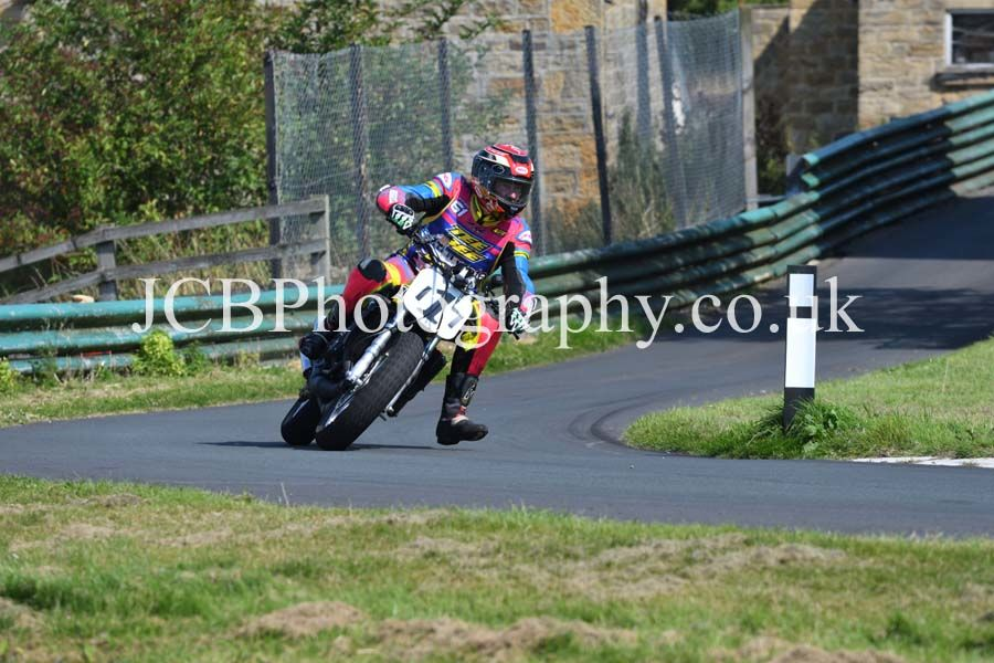 Yamaha TZR ridden by Brian Spencer