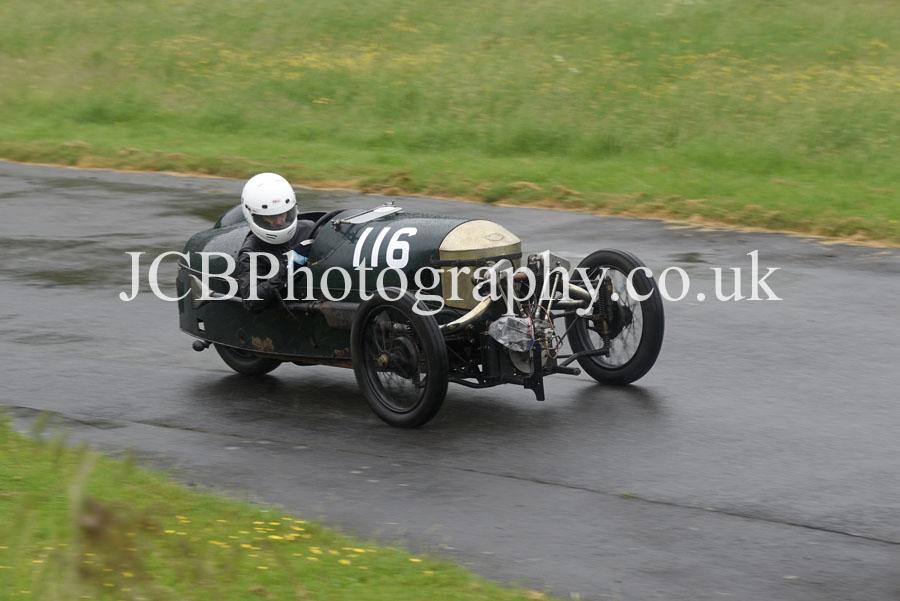 Morgan Super Aero driven by James Edwards