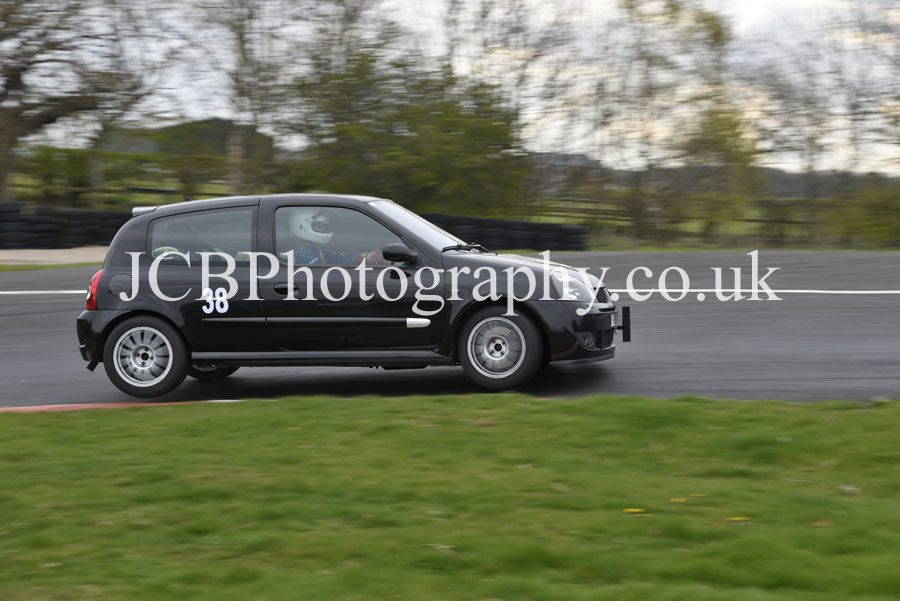 Renault Clio 182 driven by Robert Marwood