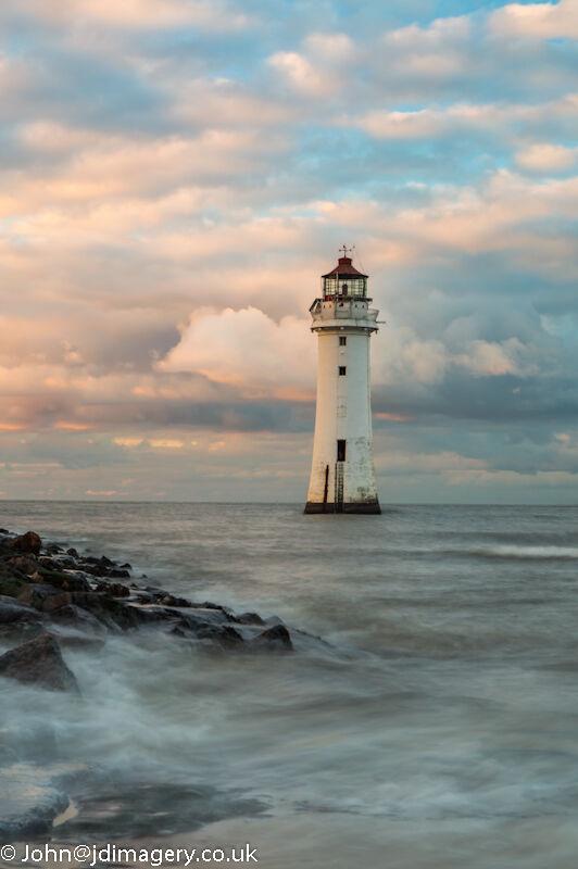 Perch rock lighthouse (high tide)