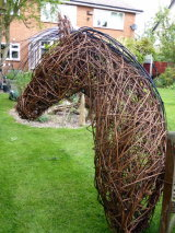 Willow horse sculpture – Eventing course