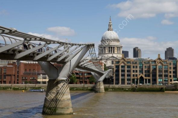 St. Pauls Cathedral and the Millennium Bridge
