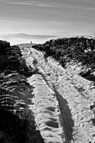 Winter walk to Blacko Tower along Listerwell Lane