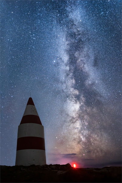 Milky way over the Daymark