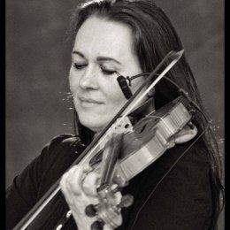 Emma Fiske Jazz Violinist2