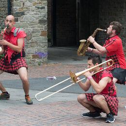 Men in skirts - 3