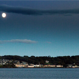 NORTH DUNDEE BATHED IN MOONLIGHT: Early evening shots do give lovely colour but moon is burnt out and the city is slightly soft.