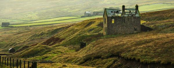1st. Old Farmhouse. John Stephenson. Judge: Mavis McCormack.