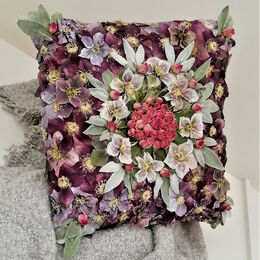 H.C. Flower cushion square. Janet Long. Judge: Ray Bell.