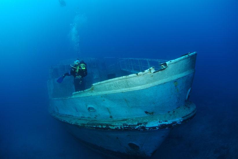 Wreck of the Karwella, Xatt l-Ahmar