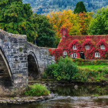 Autumn bridge at Llanrwst