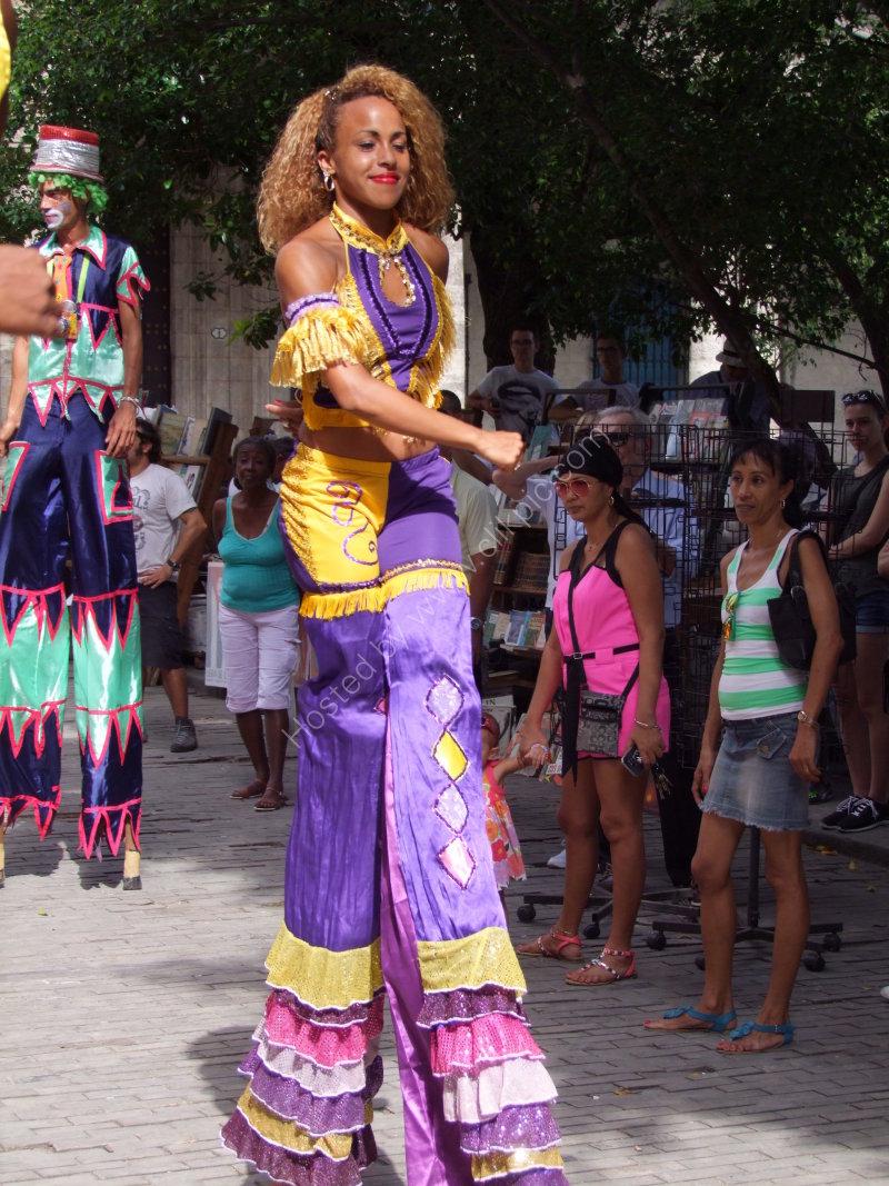 Cuban Street Performer