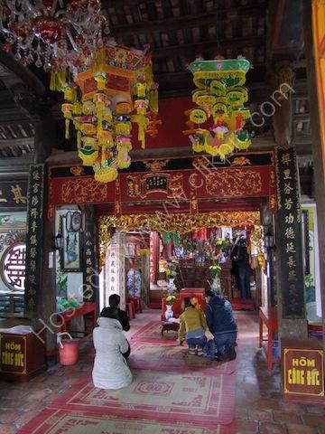 Altar at Princess Mia Pagoda