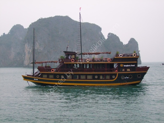 Vietnamese Junk Pearl Dragon, Halong Bay