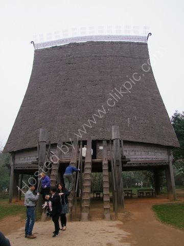 Communal Centre, Bao Tang Toc Hoc Vietnam (Vietnam Museum of Ethnology)