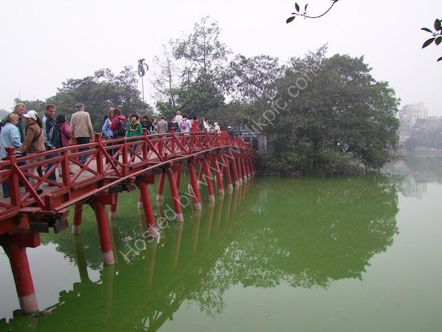 Huc (Rising Sun Bridge), Ho Hoan Kiem Lake, Hanoi