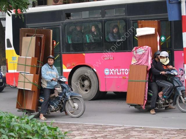 Moving House by Motorbike! Hanoi