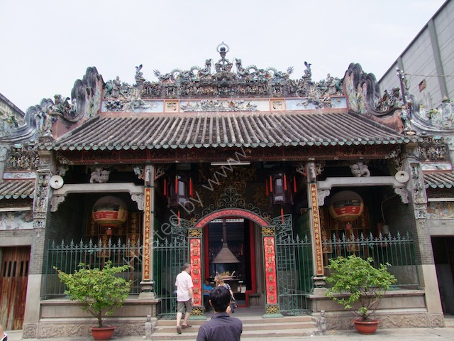 Entrance, Thien Hau Chinese Temple, Chinatown, Ho Chi Minh City