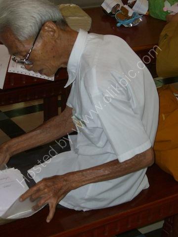 Old Vietnamese Man, Saigon General Post Office, Ho Chi Minh City