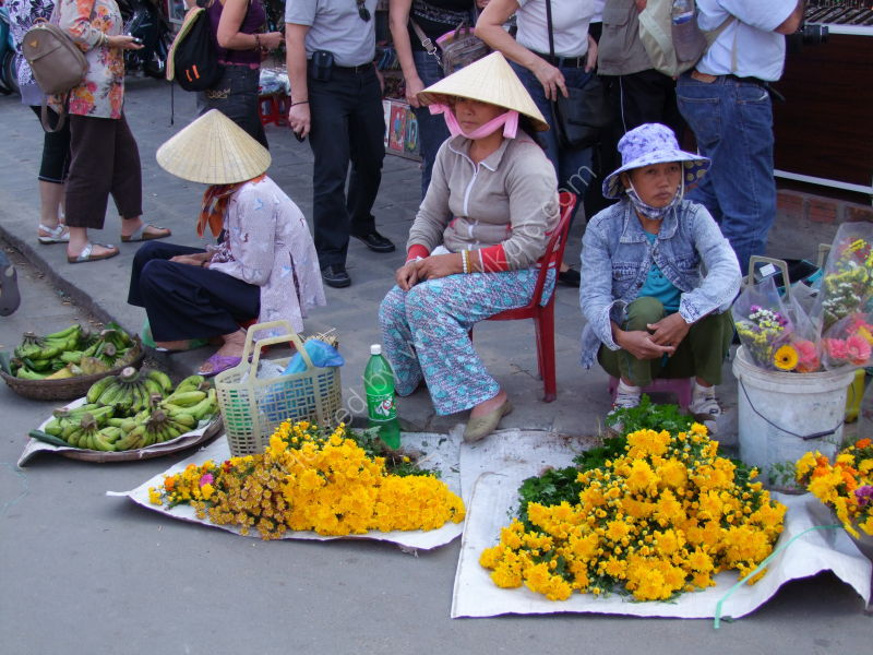 Banana & Flower Sellers, Hoi An Market