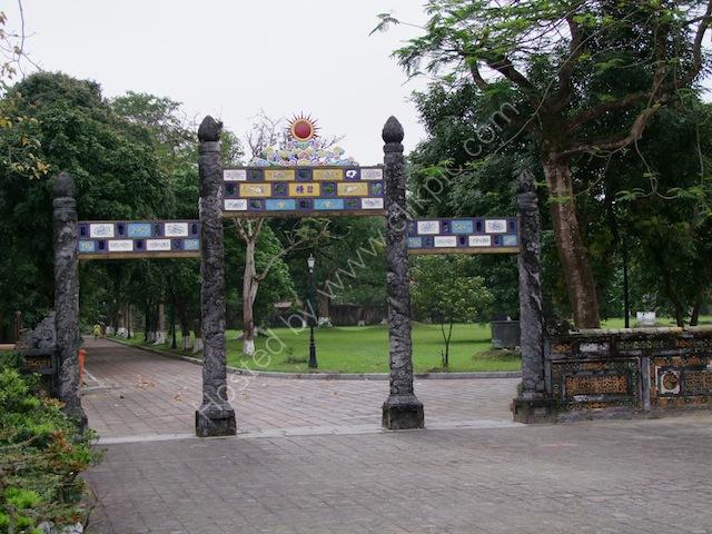 Entrance, Kinh Thanh (Citadel), Hue