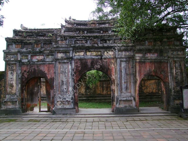 Entrance Gate in Poor Condition, Kinh Thanh (Citadel), Hue