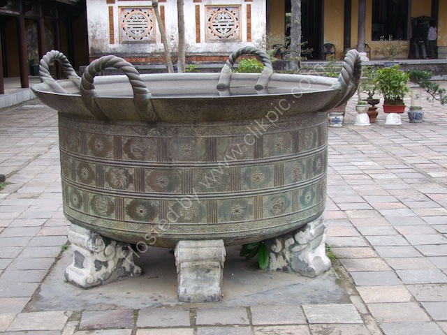 Large Bronze Pot, Kinh Thanh (Citadel), Hue
