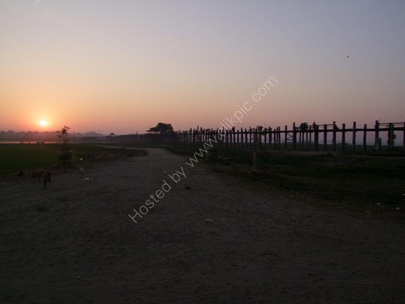 Old U Bein Teak Bridge at Sunrise