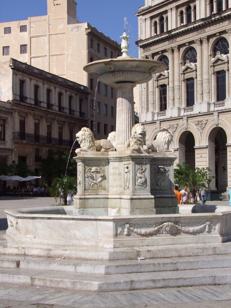 Fountain, Plaza San Fransisco, Havana