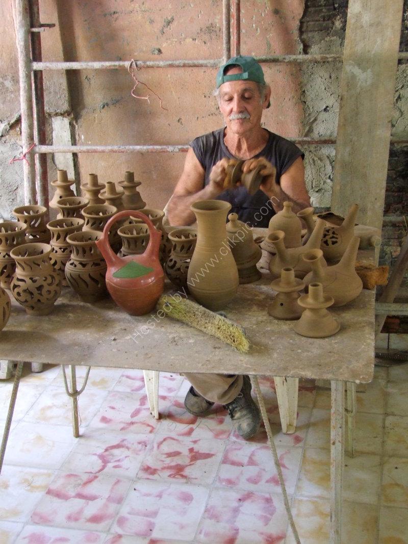 Cuban Potter, Trinidad