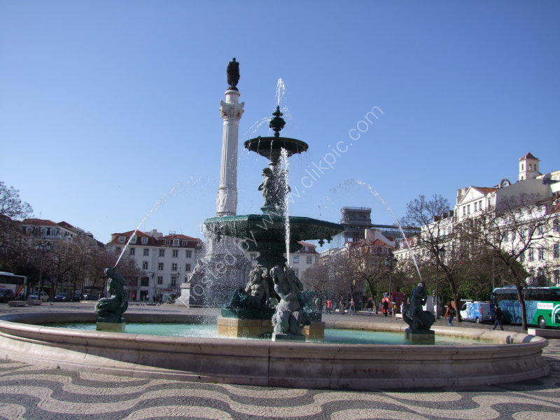Fountain & Monument