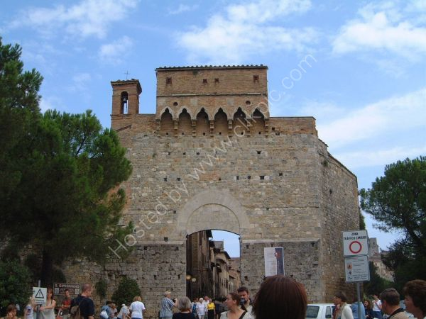 Entrance to San Gimignano, Tuscany