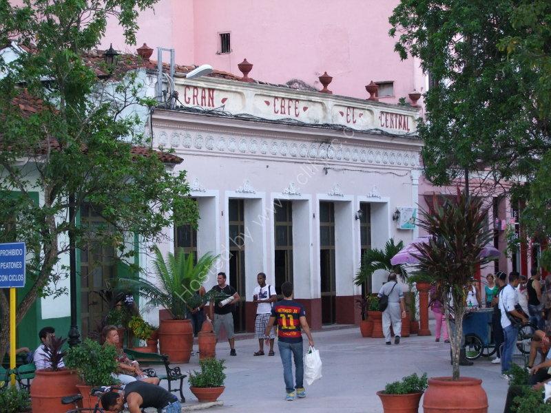 Gran Cafe el Central, Park, Santa Clara