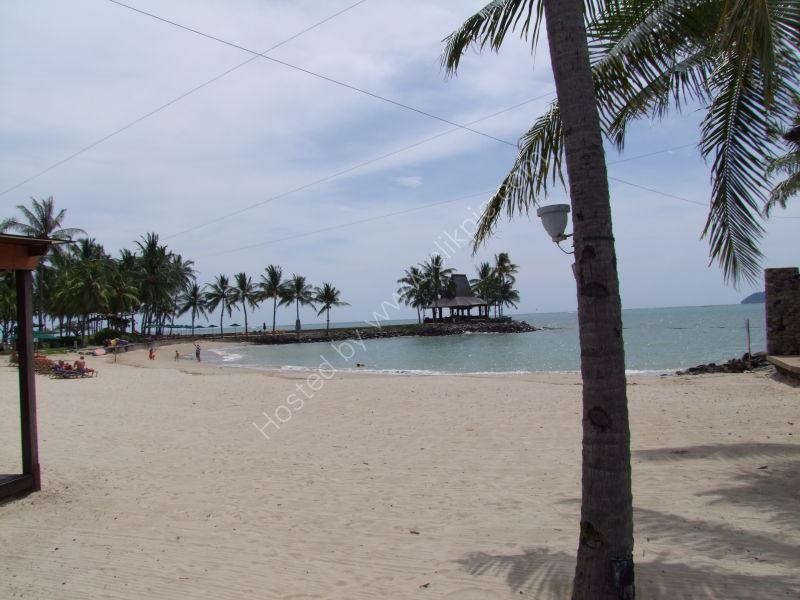 Beach at Shangri-la Tanjung Aru, Kota Kinabalu