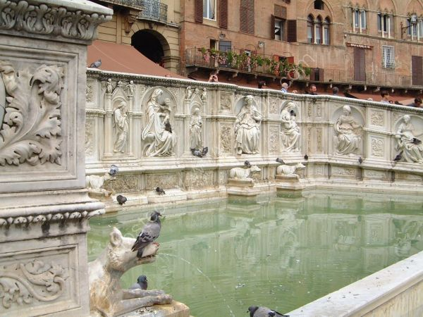 Fountain in Piazza del Campo, Sienna, Tuscany