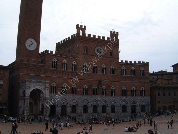 Loggia della Mercanzia on Piazza del Campo, Sienna, Tuscany