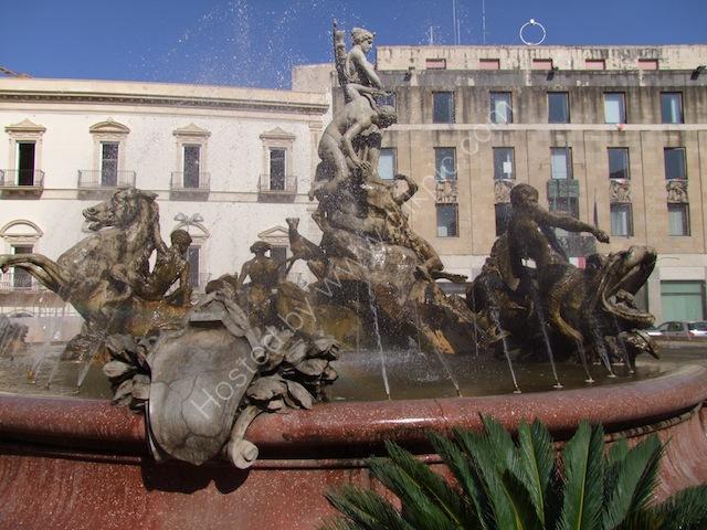 Fontana Diana, Piazza Archimede, Ortygia Island, Syracusa
