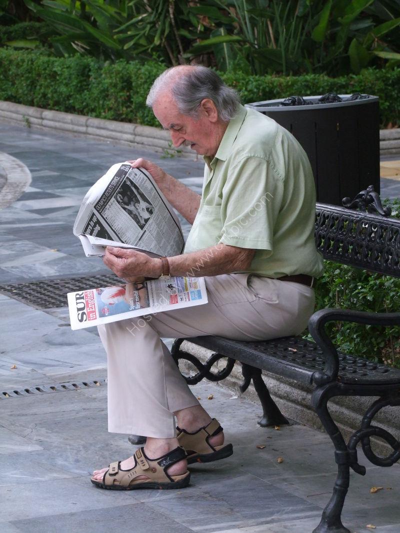 Spaniard Reading Paper, Paseo Alamada, Marbella