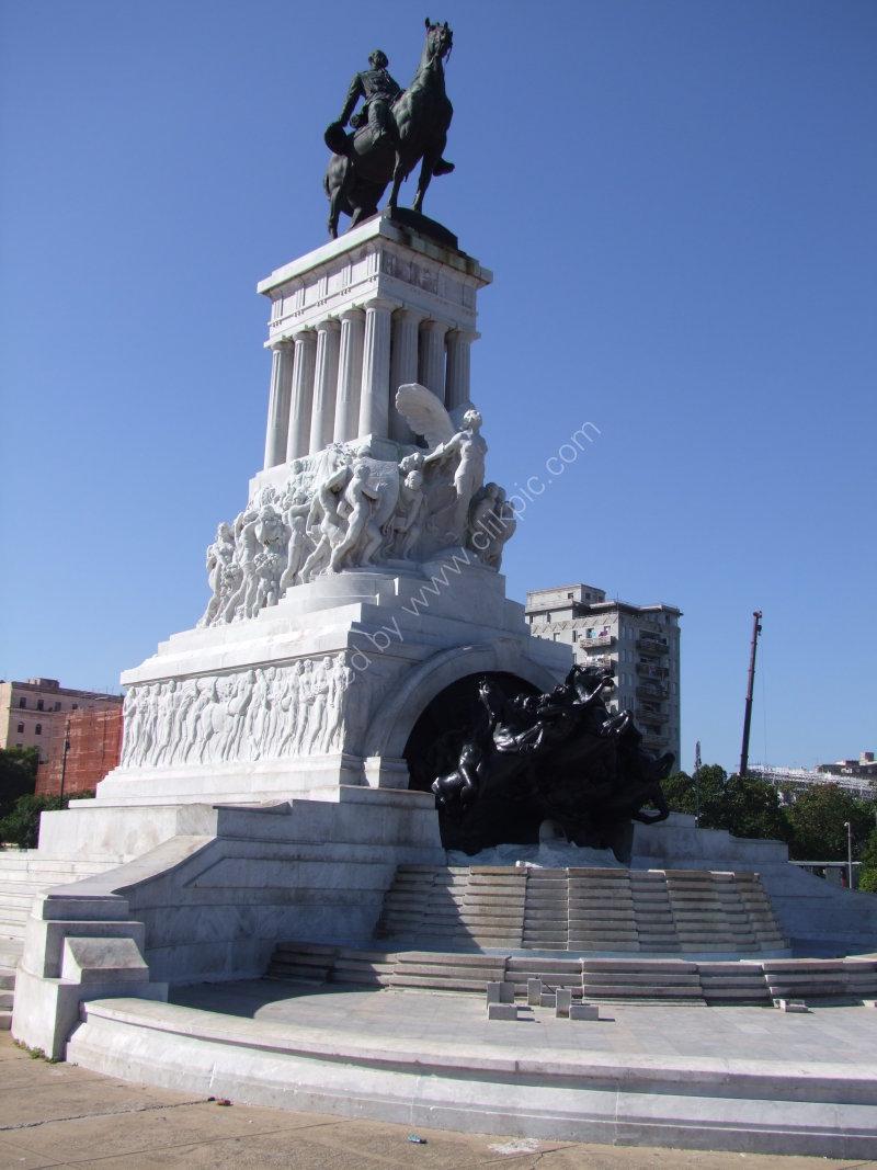 Statue of Maximo Gomez, Malecon, Havana