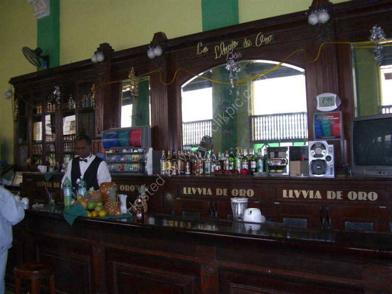 Bar Livvia de Oro, Obispo Street, Havana