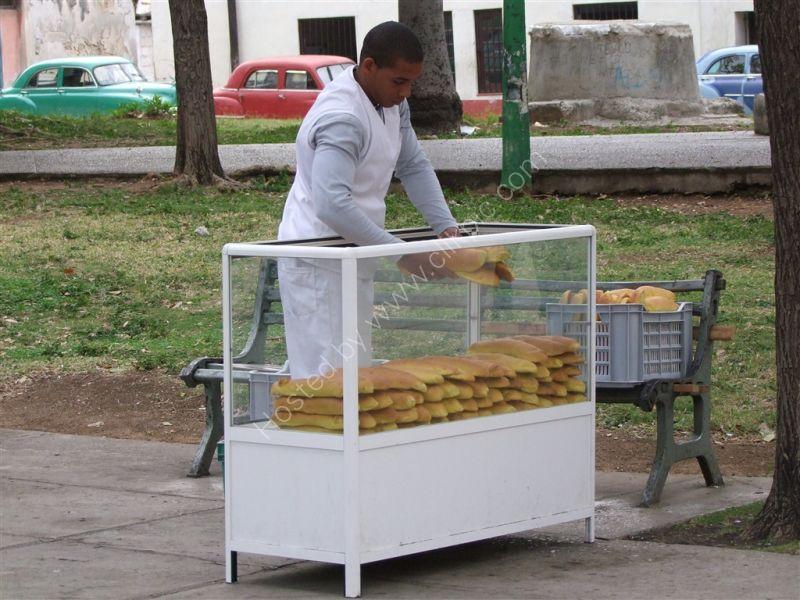 Bread Vendor, Havana