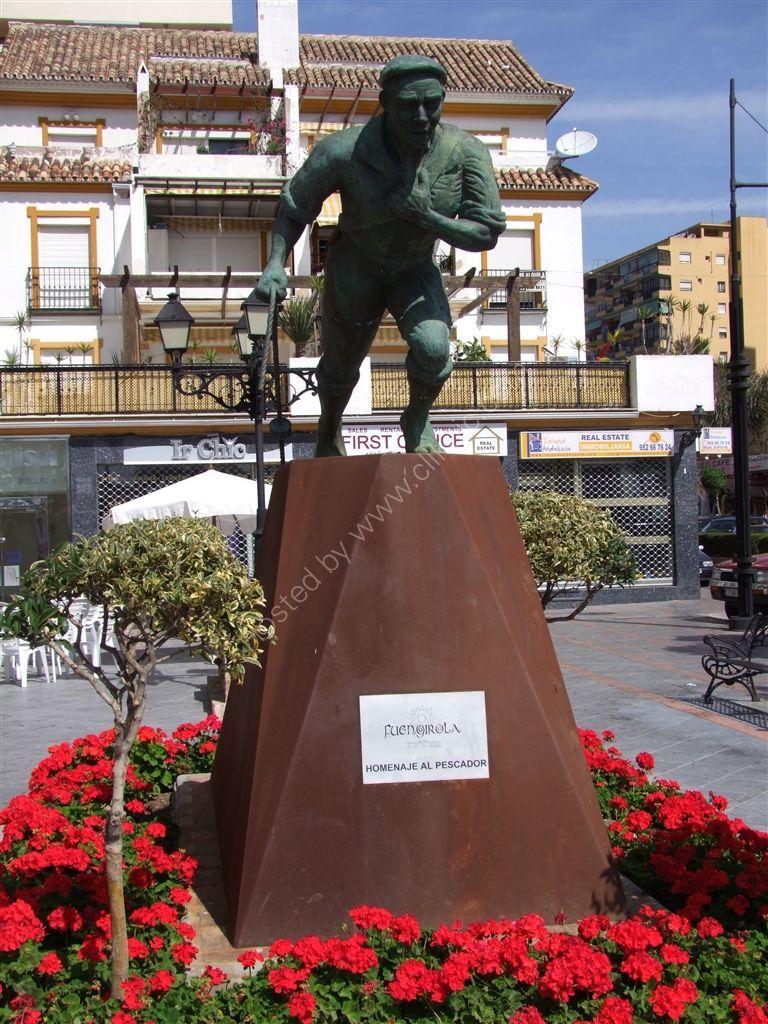 """Statue """"Homafe to Fishermen"""", Fuengirola"""