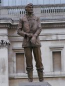 "Statue Sir Keith Park ""Defender of London 1940"", Trafalgar Square, London"