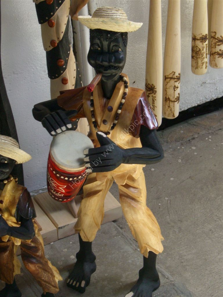 Souvenir Carvings, Varadero
