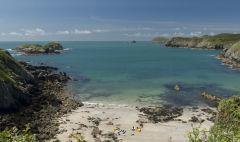 Porthlysgi Beach